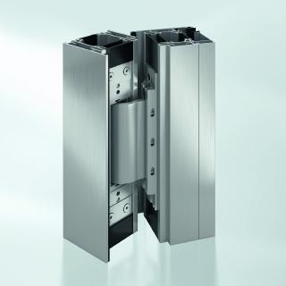 Schüco FireStop ADS 90 FR 90 ist die erste Brandschutztür mit 90-minütigen Feuerwiderstand, die verdeckt liegende Beschläge integriert für eine durchgängige Optik im gesamten Gebäude / Bildnachweis: Schüco International KG