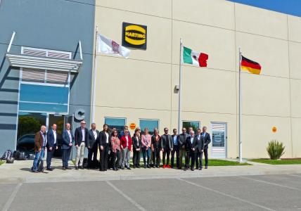 The delegation visited the HARTING plant in Silao.