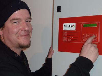 Der Energieweltenbummler beim Hackgutkessel Gilles HPK-RA 30