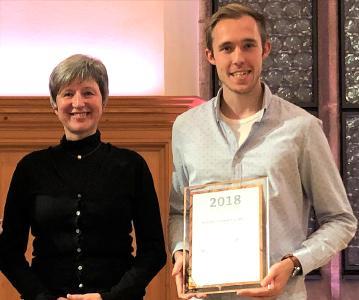 V.l.n.r.: die stellvertretende VWI-Präsidentin Dr.-Ing. Frauke Weichhardt und Preisträger Philipp Johannes Horn © Marie Theres Feldhoff