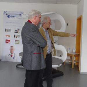Bundestagsabgeordneter Hans-Jürgen Irmer zu Besuch bei der MedTec in Wetzlar