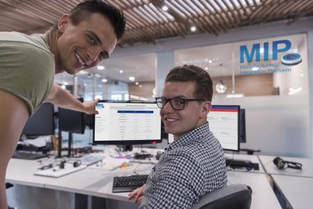 Auf Basis der MIP können Fertigungsunternehmen beliebige Anwendungen individuell miteinander kombinieren, Bildquelle: [MPDV, Adobe Stock, .shock]
