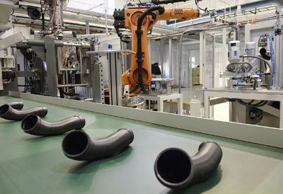 In Waltershausen wurde eine vollautomatische Kunststoffteileproduktion in Betrieb genommen