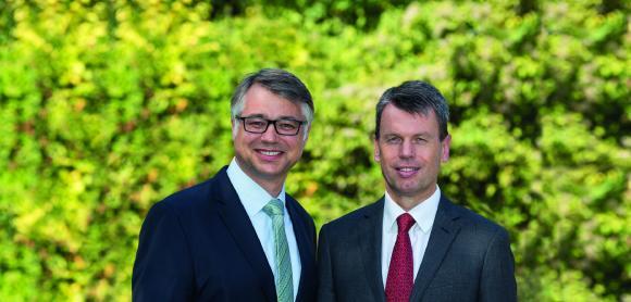 Der WEMAG-Vorstand vertreten mit Thomas Murche und Caspar Baumgart (v.li.). Foto: WEMAG/Stephan Rudolph-Kramer
