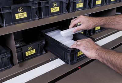 Die Hänel Fachanzeige unterstützt die Mitarbeiter bei der zuverlässigen Identifizierung des Lagerplatzes.