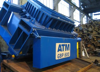Crush large and high strength cast parts with high efficiency and without risk with the ATM ArnoBreakC Cast breaker