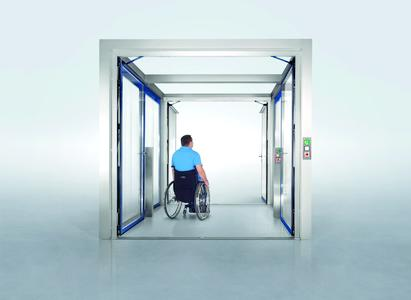 The GEZE security interlocking door system makes it possible to accessibly leave the building in the event of an emergency Photo: GEZE GmbH