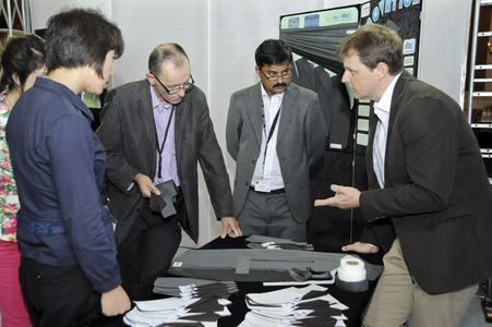 Ulrich Scherbel (right) at the customer event in Vietnam