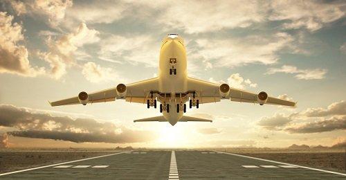 Der Hamburger Flughafen verlängert die Zusammenarbeit mit Arvato Systems (Copyright: beawolf - stock.adobe.com / Arvato Systems)