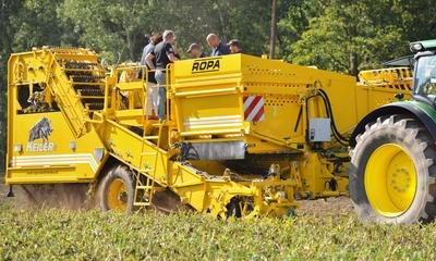 Premiere of potato harvester ROPA Keiler for Potato Europe
