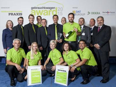 Das Autohaus Schmolck aus Emmerdingen freut sich über den ersten Platz (Foto: Vogel Business Media)