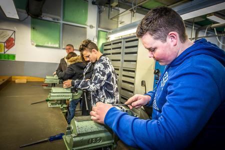 Anforderungen an den Lehrberuf Zerspanungstechnik hautnah kennenlernen konnten die Besucher bei der selbständigen Bearbeitung eines kleinen Werkstückes