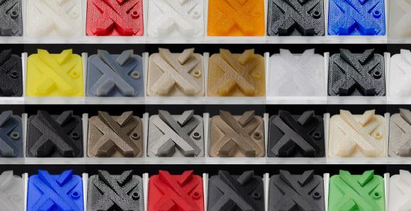 Xometry vermittelt unter anderem Aufträge in zahlreichen additiven Herstellungsmethoden