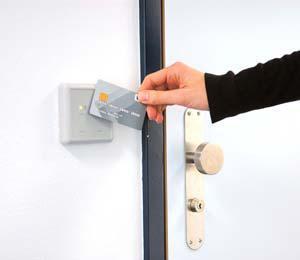 LEGIC vereint Technologiewelten: Physische Zutrittskontrolle kombiniert mit einer Kreditkarte