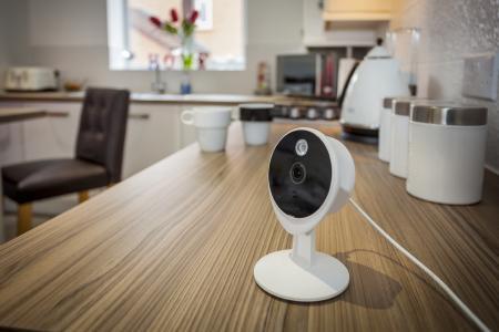AssaAbloy Yale Smart Living Kamera: Mit Smart Living bietet Yale Alarmanlagen, IP-Kameras und Schließlösungen, die ein vollständiges smartes Sicherheitssystem ermöglichen. Foto: ASSA ABLOY Sicherheitstechnik GmbH