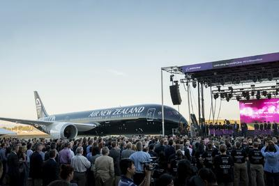 Boeing, Air New Zealand Celebrate First 787-9 Dreamliner Delivery