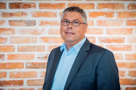 Dieter Kutschus ist Inhaber der 1994 gegründeten Digi-Zeiterfassung GmbH. Er ist überzeugt: Ein gutes System zur Zeiterfassung sorgt für mehr Mobilität und Flexibilität in Unternehmen (Fotograf: Hanna Sprißler)