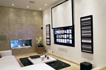 In die Haustechnik integrierte und unsichtbar verbaute Unterhaltungselektronik. Harmonisch abgestimmt auf die Innenarchitektur
