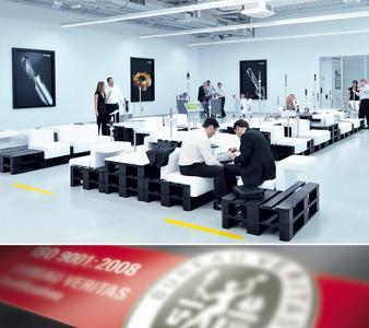 Die  IDEEN-FABRIK+  in Besigheim hat sich branchenweit als neutra-ler Ort der Kreativität und der Wissensvermittlung auf dem Sektor der Zerspanungstechnik etabliert
