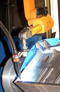 MAG TANDEM high-capacity welding on thick components for cable cars using ROMAT® industrial robot.