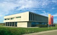 Schon die Firmenzentrale von Franz & Wach strahlt Modernität und Innovation aus.