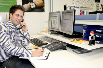 TimoCom-Azubi Stefan Houbertz beherrscht das Multitasking