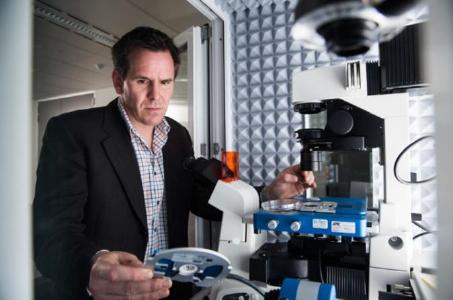 Professor Nico Voelcker at the Future Industries Institute of the University of South Australia, Adelaide, works with his JPK NanoWizard® AFM system