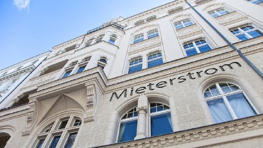 Praxisnahes Wissen zu Mieterstrom-Projekten wird in drei Seminaren vom 11.-13. September 2018 in Potsdam vermittelt (Tiberius Grachus - Fotolia.com)