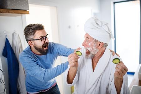 Männer und Kosmetik? – Bild: Halfpoint Shutterstock.com