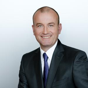 TGW-Geschäftsführer Georg Kirchmayr freut sich über das neue TGW-Expertentrio in der Schweiz