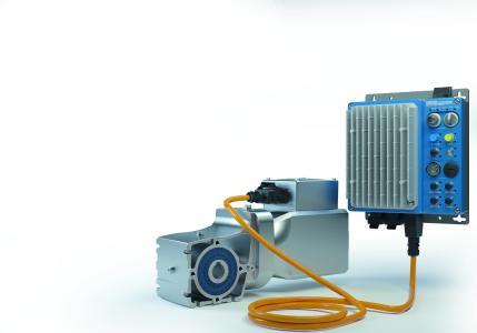 Die LogiDrive-Antriebe von NORD DRIVESYSTEMS bestehen aus einem energieeffizienten Permanentmagnet-Synchronmotor, einem zweistufigen Kegelstirnradgetriebe und einem NORDAC LINK Feldverteiler