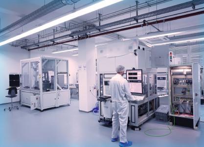 Reinraum der Firma PVA TePla Analytical Systems GmbH in Westhausen