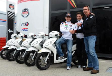 Fünf Honda Vision 110-Roller fürs LCR-Team