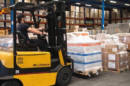 Zehn Tonnen Medizingüter transportierte Logwin per Luftfracht von Amsterdam nach Bangui © Logwin