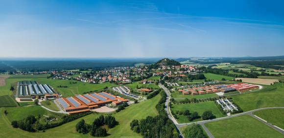 Auch 2018 auf dem Erfolgsweg: WITRON mit Hauptsitz in Parkstein in der nördlichen Oberpfalz. Foto: WITRON