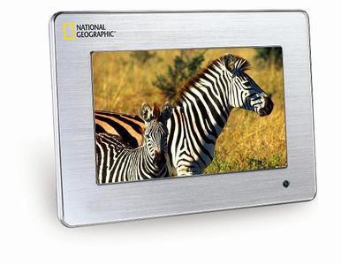 TOPCOM wartet mit digitalen Bilderrahmen von National Geographic auf