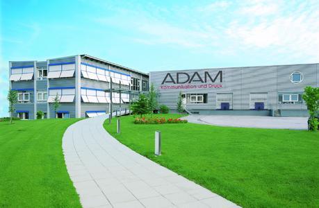 Unter anderem Kunden aus den Bereichen Einzelhandel, Automobilindustrie, Elektronik und Möbel kommen bei Adam NG in den Genuss der neuesten Heatset-Technologie (Foto: © Adam NG)