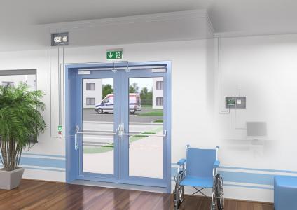 Umgebungsmodelle zeigen typische Anwendungsgebiete, beispielsweise den normgerechten Fluchtweg über zwei Flügel in einem Krankenhaus, Grafik: ASSA ABLOY Sicherheitstechnik GmbH