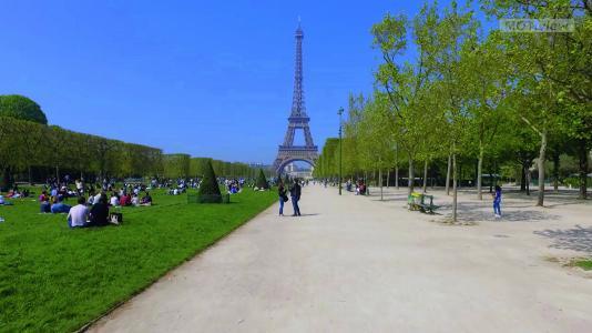 Patienten radeln während des Trainings durch Paris – oder haben die Möglichkeit, eigene Videos hochzuladen.