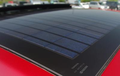 Solarmodul von Kyocera auf Toyota Prius