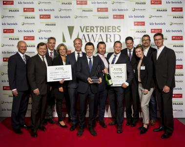 Das Autohaus Kuhn & Witte aus Jesteburg freut sich über den 1. Platz des Vertriebs-Awards 2017 / Foto: Stefan Bausewein