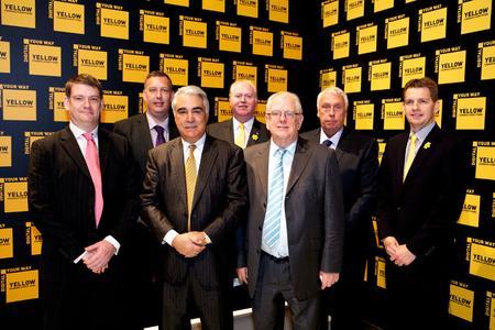 Von links: Barry Knight (Anton Group), Gary Knight (Anton Group), Antonio Perez (CEO von Kodak), Phil Walsh (Kodak), John Knight (CEO Anton Group), Steve Knight (Anton Group) und Phil Gibbons (Kodak)