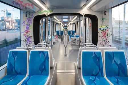 Vielseitige Lösung: Die Schutzlaminate lassen sich innen wie außen auf Zügen und Bahnen vollflächig zum Schutz aller Oberflächen verkleben / Foto: 3M