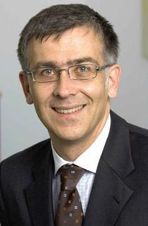 """Ein großes Plus für uns war, dass sich Consol*CM dank seiner Standardschnittstellen leicht in unsere IT-Systemlandschaft integrieren ließ"""", sagt Jörg Plinke, Bereichsleiter Privatkundengeschäft in der Finanzagentur."""