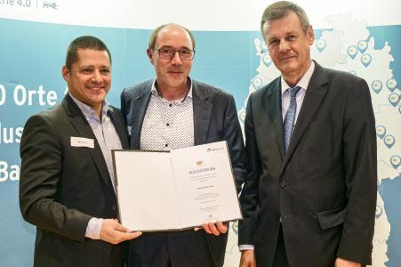 Marcel Theijs und Manfred Stetz von United Planet nehmen die Auszeichnung entgegen / © Martin Storz