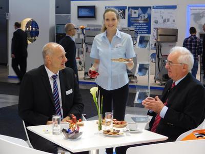 Messe Hostess Agentur Interpret GmbH   Hostess auf der blechexpo2015 für Walter Schork Kraftfahrzeug  und Industriebedarf GmbH