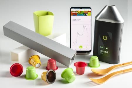 trinamiX mobile NIR Spectroscopy Solutions: Handy portable spectrometer, intelligent data analysis and mobile app for precise determination and sorting of plastics.