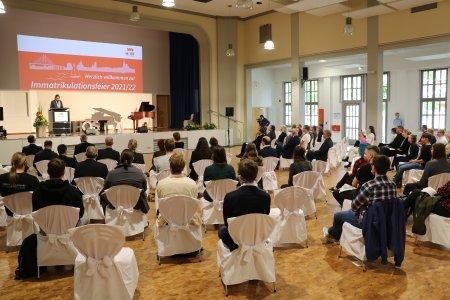 Die Rektorin der Hochschule Stralsund, Prof. Dr. Petra Maier, bei der feierlichen Immatrikulation.