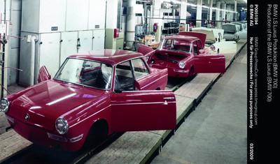 BMW Group feiert erfolgreichen Neustart vor 50 Jahren