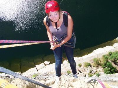 Nur eins von 35 Angeboten des Teams Jugendarbeit der Region Hannover: eine sommerliche Kanu- und Kletterfreizeit für Jugendliche in Südfrankreich
